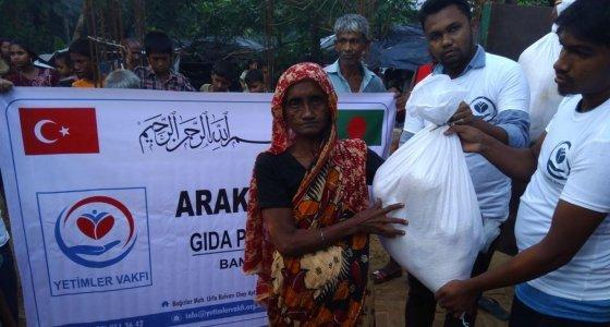 Yetimler Vakfı Arakanlı Müslümanlara yardımlarını ulaştırdı
