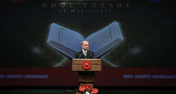Erdoğan: Kur'an'la rabıtamızı her daim güçlü tutmalıyız