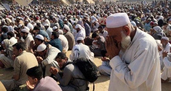 """Dünyanın en büyük İslami cemaatinde """"kanlı"""" bölünme"""