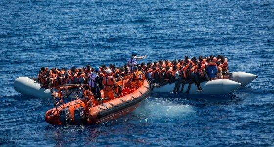 Libya'da 324 kaçak göçmen ölümden döndü