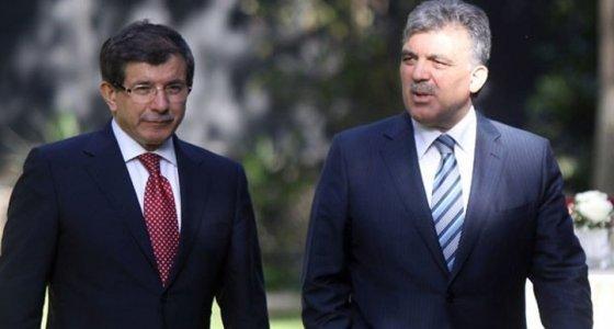 Abdullah Gül ve Ahmet Davutoğlu'ndan kayyım tepkisi