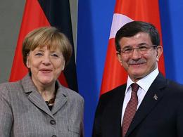 Davuto�lu, Merkel ile g�r��t�