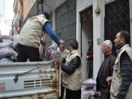 Bursa Umut Kervan� Suriyelilerin yuvas�n� �s�t�yor
