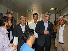 HUDA PAR visits those injured in Kobani