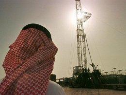 Suudi Arabistan'dan günlük petrol üretimini azaltma sinyali