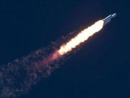 SpaceX uzaya 60 tane internet uydusu gönderdi